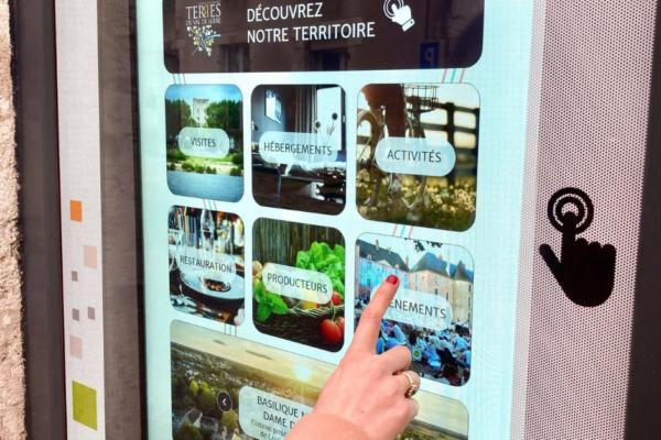Nouveau ! Des bornes interactives pour consulter les informations touristiques